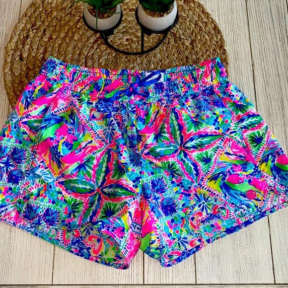 Lilly Pulitzer Pants - Lily Pulitzer nylon shorts worn once size XS